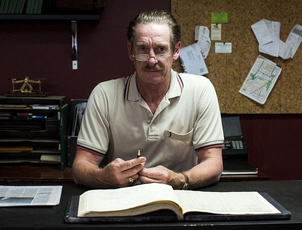 John Brumpton as Les