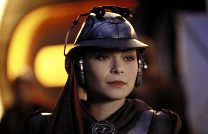 Leeanna Walsman in Star Wars: Episode II