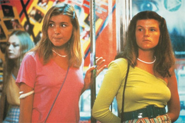 Jad Capelja and Nell Schofield in Puberty Blues