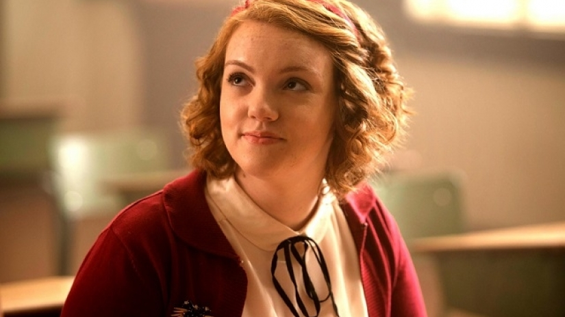 riverdale-episode-4-review-body-double-shannon-purser-stranger-things