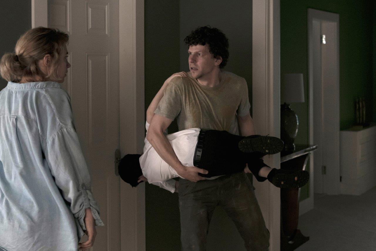 Vivarium_0090 Gemma (Imogen Poots), Young Boy (Senan Jennings) and Tom (Jesse Eisenberg) House No.9 (int) - Martin Maguire
