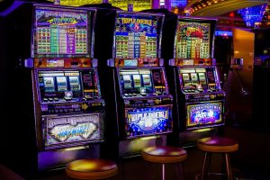 Why Betting For Real Money Is The Best Way To Play The Slots
